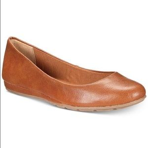 New - Size 7 Women Flats
